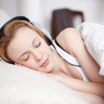 Besser einschlafen durch Hörbücher – geht das?